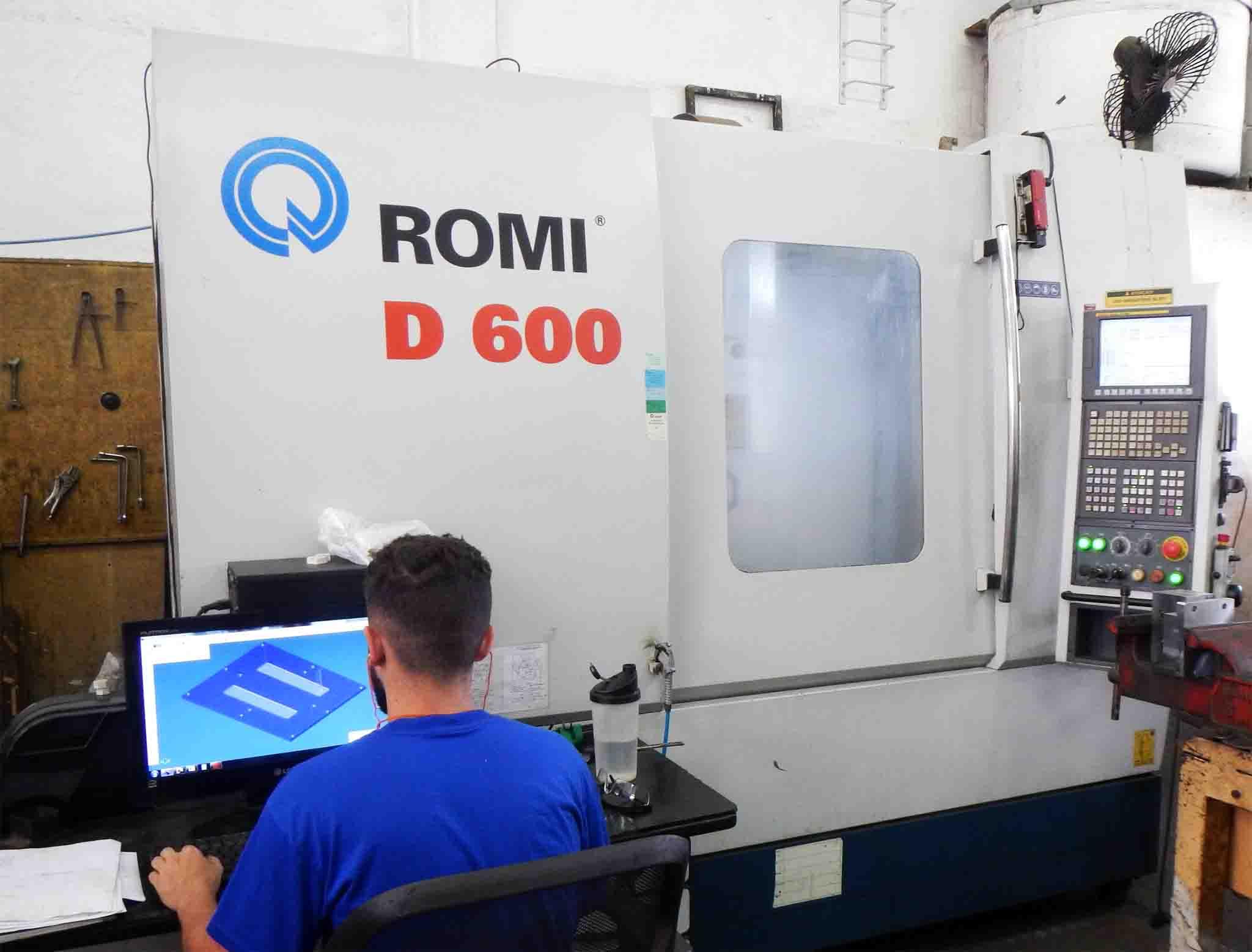 Máquina de automação Romi D600